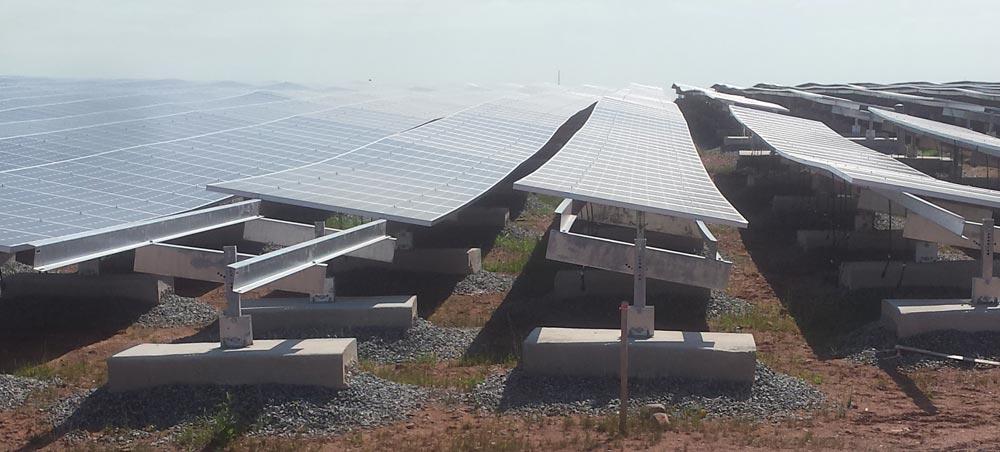 Edison-solar-landfill-ballasted-1mount